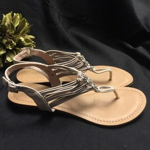 Madden Girl-Tangle, 8.5 Sandals with Rhinestones